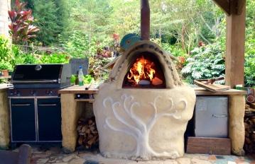 El horno del Quetzal en el valle de Cachí